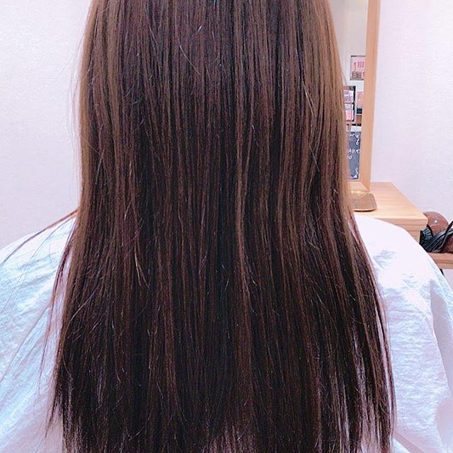 アシスタントの柳沼です!今回、小林さんの髪を染めさせていただきました!! わたしなりに思ってたよりかは綺麗に仕上がれたと思います!グレー系可愛いです。暗いとさらに大人っぽいです。これからもっとたくさん練習していき上手くできるようにがんばります!!! #リムグループ #ルシードスタイルリム#郡山リムアズール#三春リムヘアー#郡山美容室