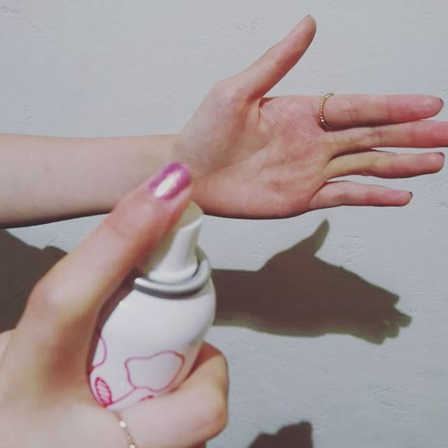 新感覚化粧水アワコットン!泡出ててくる化粧水を含んだひんやりつめたいコットンです。暑い日にいかがですか#ルシードスタイルリム #リムアズール #リムヘアー #郡山理美容室 #リムグループ  #アワコットン#冷たい化粧水#冷たくて#気持ちいい