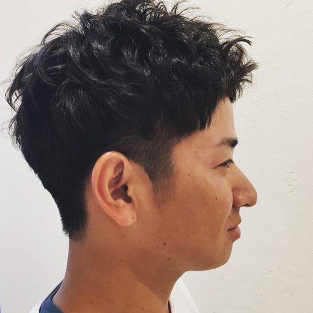 改めてまして、11月20から新メニュー「ヒートスタイルカール」が加わりました!☆短髪の方☆直毛で動きが出にくい方☆サイドのボリュームを抑えたい方☆パーマがかかりにくい方に、おススメです!前々回の投稿の写真も参考にしてみて下さいね!#ヒートスタイルカール#ルシードスタイルリム#ルシード#リムヘアー#リムアズール