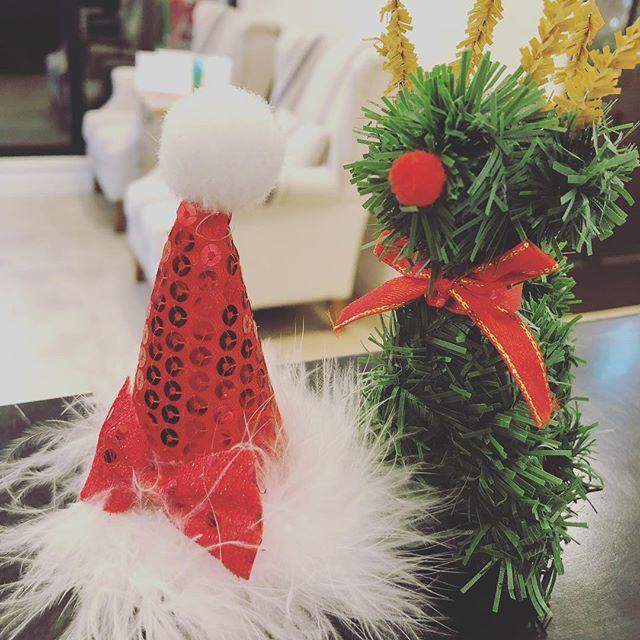 今月のドレスコードは3日間やります♪♪ まずは明日!!明日は赤を取り入れたコーディネートをします♪♪ あとの2日間は22日の土曜日と25日の火曜日に行います!22日は緑のコーディネート、25日は白のコーディネートをしますので、皆さまお楽しみに♪♪ #郡山理美容室#ルシードスタイルリム#リムアズール#リムヘアー#郡山美容室#クリスマスコーデ#リムグループ